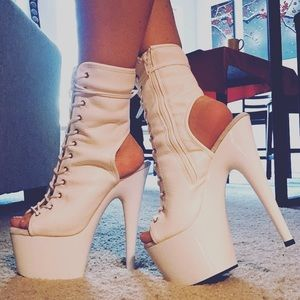 BNIB Pleaser Adore 1016 Lace-Up Peep Toe Booties